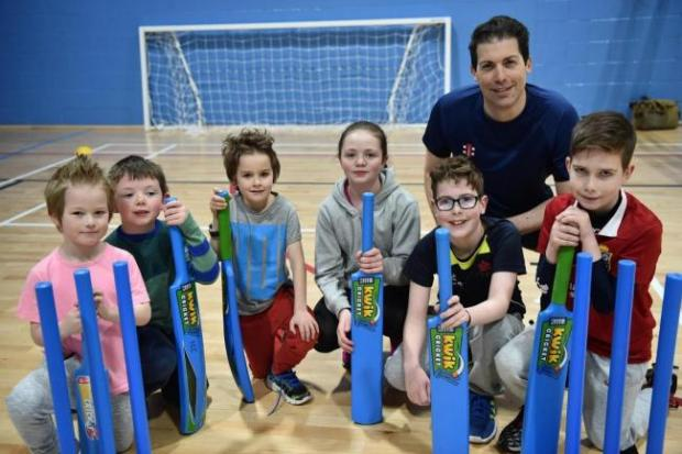 Free cricket for kids in Largs