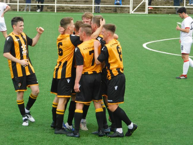 Clydebank 1 Largs Thistle 2