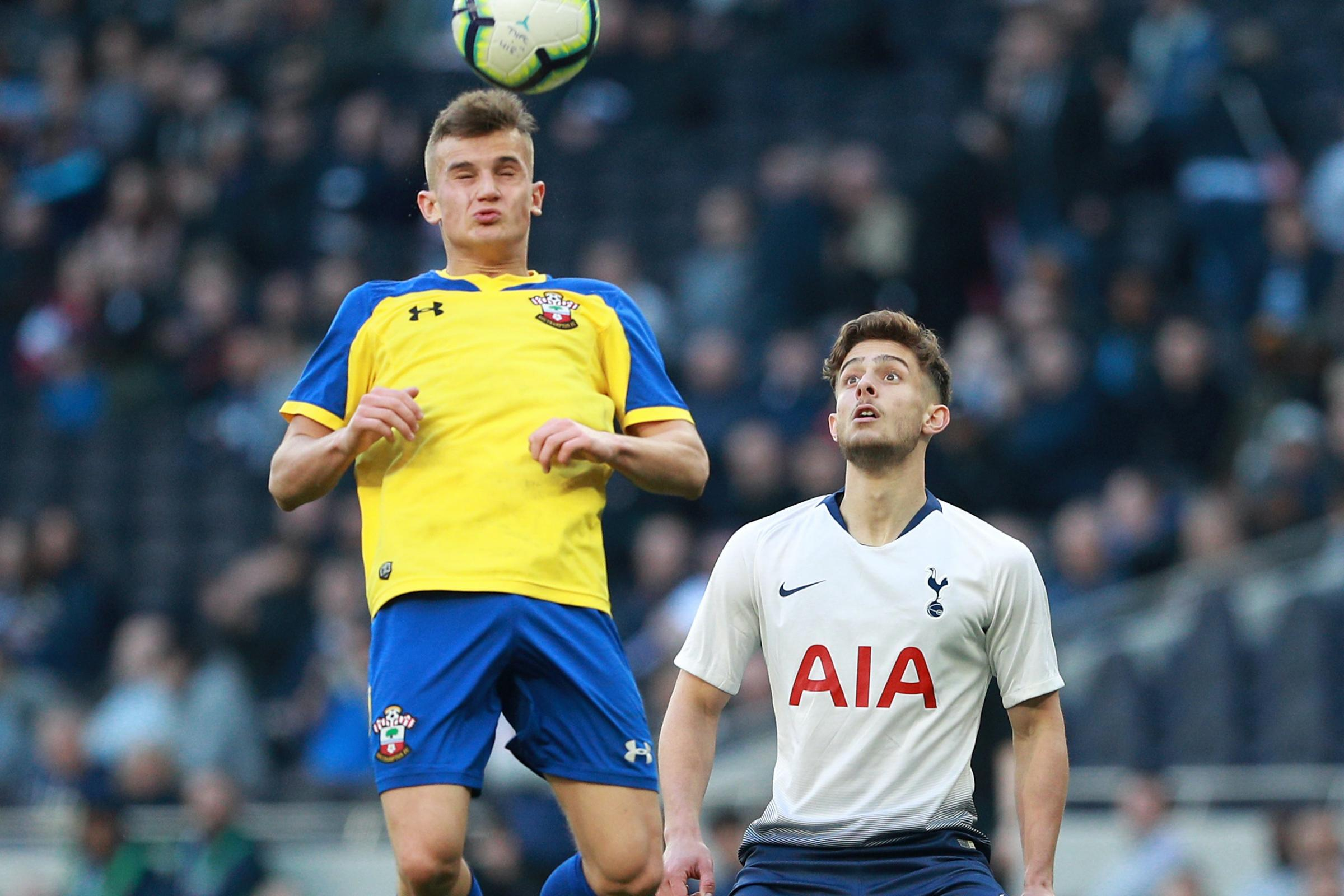 Mauricio Pochettino S Son Maurizio Reveals He Has Signed New Tottenham Deal Largs And Millport Weekly News