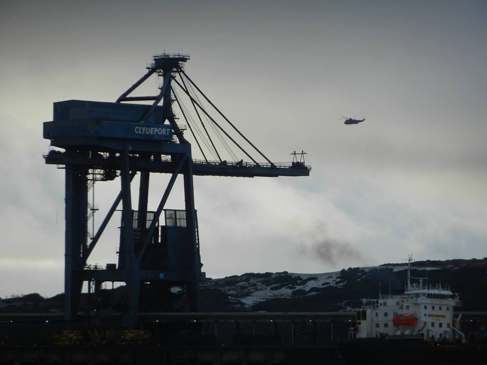 Giant cranes to come down at Hunterston