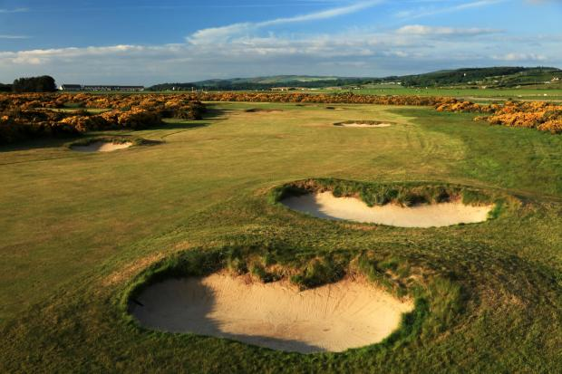 Largs and Millport Weekly News: King Robert the Bruce, 4th Hole