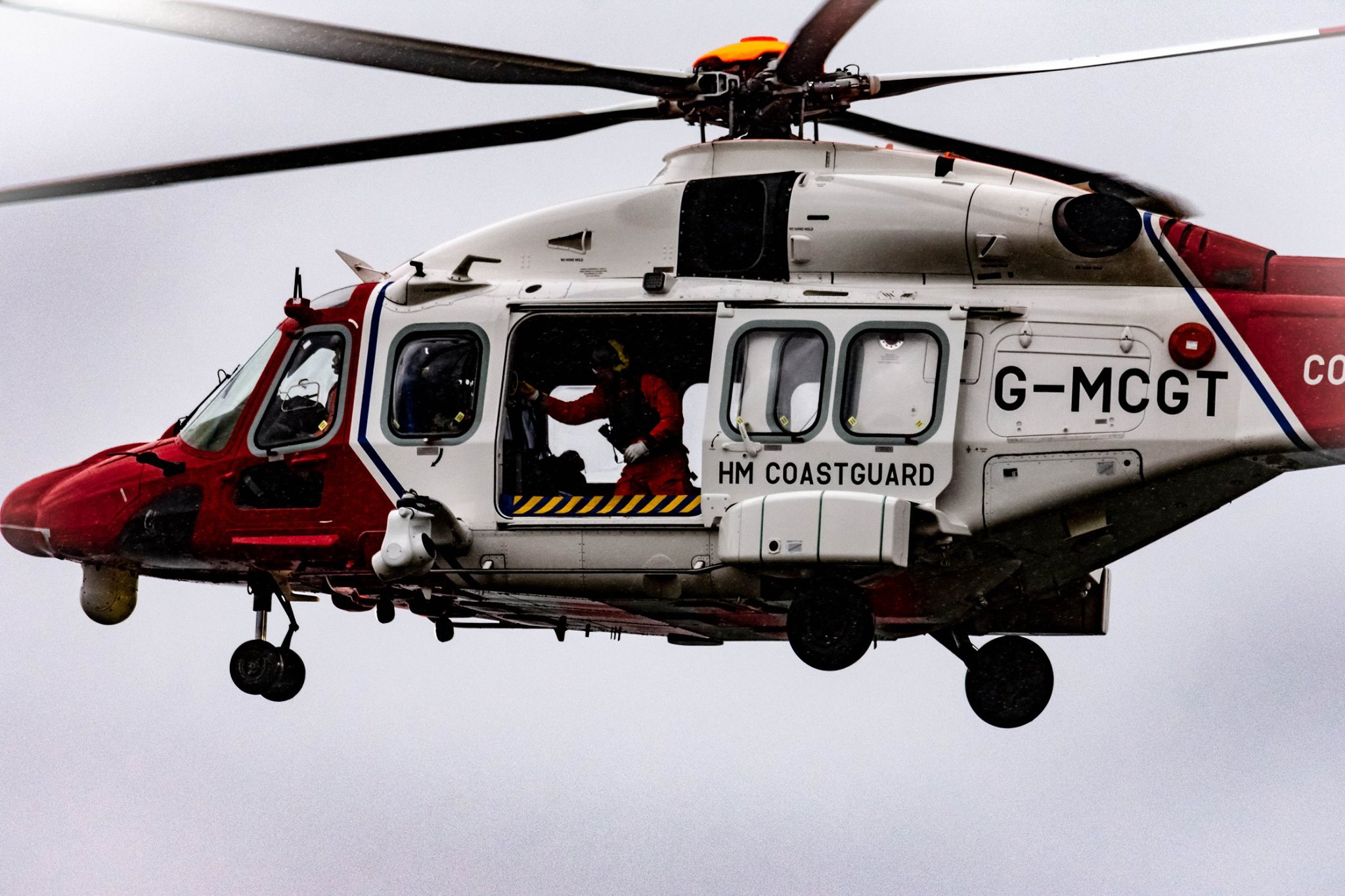 Dramatic River Clyde rescue with Largs RNLI and chopper
